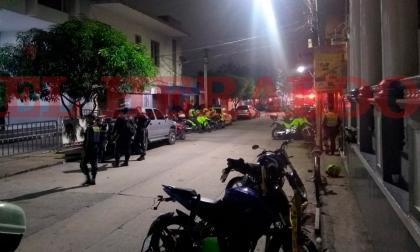 En video | Autoridades inician evacuación de algunos internos para retomar control de carceletas