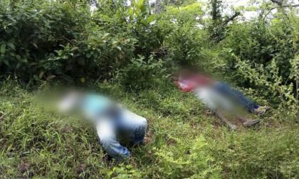 Los cuerpos de las tres personas fueron hallados en una zona enmontada.
