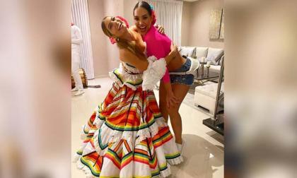 En video| La Reina del Carnaval  prende la rumba en la casa de Andrea Valdiri