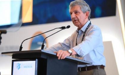 Juan Martín Caicedo Ferrer en su intervención en el Congreso de la Cámara Colombiana de Infraestructura en Cartagena.