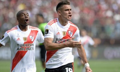 Borré celebra emocionado su tanto en la final con River.
