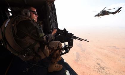 Colisión de dos helicópteros en Malí deja trece militares franceses muertos