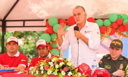 El gobernador Eduardo Verano durante su intervención en la presentación de la campaña en Baranoa.
