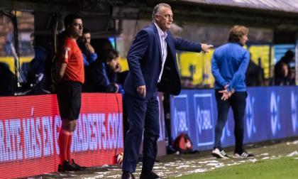 Gustavo Alfaro renuncia como DT de Boca tras derrota en la Superliga argentina