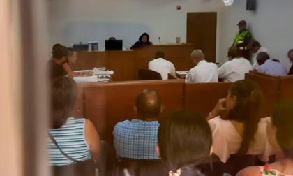 Juez legaliza capturas de los cinco policías y un expolicía indiciados por supuesta corrupción