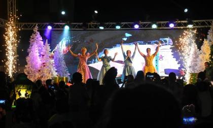 Un show de Navidad llenó de colorido la 'Ventana al Mundo'
