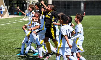 Los pequeños de Jaguares celebrando su paso a la siguiente fase del torneo.
