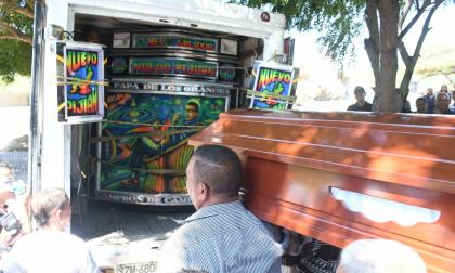 En video   Entre lágrimas y baile, verbeneros despidieron a Chicho Pijuán