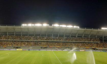 La afición respondió y llenó el estadio en Pereira.