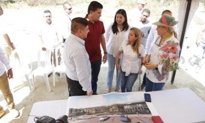 Noguera durante la presentación de los diseños de la nueva sede del hospital.