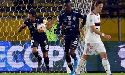 Cristian Pellerano, de Independiente del Valle, celebra su gol en la Recopa Sudamericana.