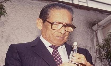 El maestro Lucho Bermúdez falleció el 24 de abril de 1994, a los 82 años.