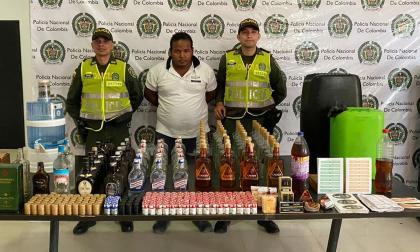 Desmantelan fábrica de licor ilegal en Puerto Colombia
