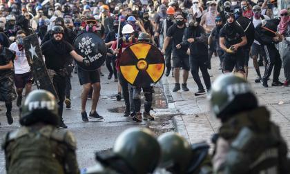 Masiva manifestación en Santiago contra Piñera