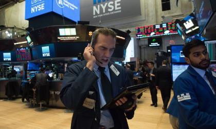 Operaciones en Wall Street se detienen por efecto del lunes negro