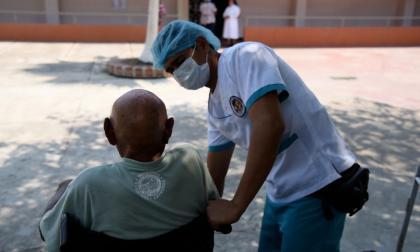 En video | Asilos restringen visitas por prevención de coronavirus