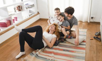 Es importante gestionar una comunicación asertiva entre los miembros de la familia.