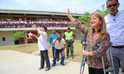Elsa Noguera paga por adelantado y se pone al día con el sector Educación
