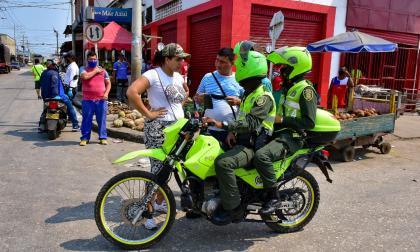 La Policía realiza recorridos por por las calles de la ciudad.