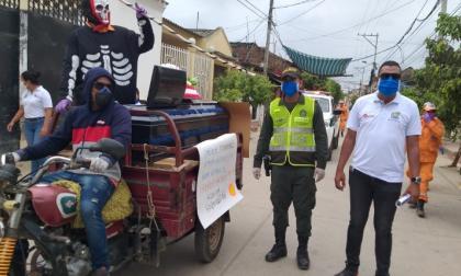 La moto-fúnebre recorrió el municipio de Mompox.