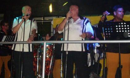 Tony Rojas (izq.) y Tito Ramos durante su presentación La Estación en 2013.