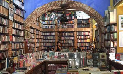 La librería Ábaco del Centro Histórico de Cartagena permanece cerrada al público, pero recibe pedidos en su sitio web.