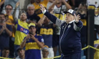 Diego Armando Maradona, entrenador de Gimnasia y Esgrima de La Plata.