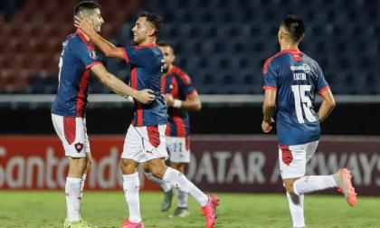 Los jugadores de Cerro Porteño festejando un gol.