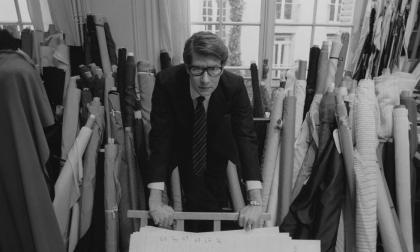 El modisto Yves Saint Laurent.