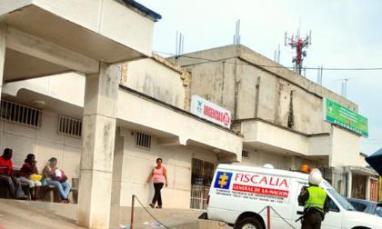 Los heridos son atendidos en el hospital San Ignacio.