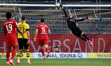 Acción del gol con el que el Bayern Munich superó 1-0 al Borussia Dortmund.