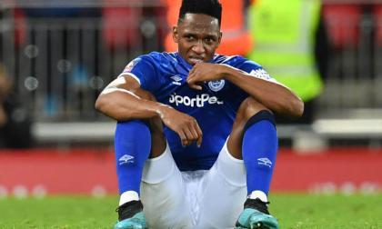 El defensa central Yerry Mina se lesionó durante un entrenamiento del Everton.
