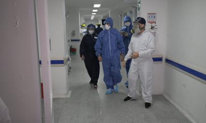 Médicos de la unidad de cuidados intensivos del Adelita de Char.