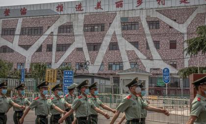 Pekín extrema medidas contra un rebrote del virus que deja ya 51 casos