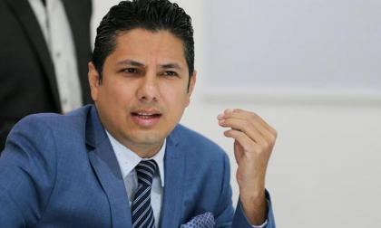 Político ecuatoriano insiste que general colombiano participó de su secuestro