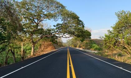 Gobierno entrega 84 kilómetros del proyecto Puerta de Hierro-Cruz del Viso