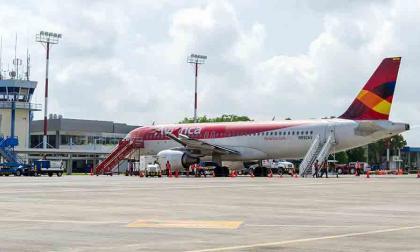 Un avión de la aerolínea Avianca en elaeropuerto Los Garzones, de Montería antes de la pandemia.