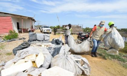 En la zona se encontró material de construcción para rellenar.