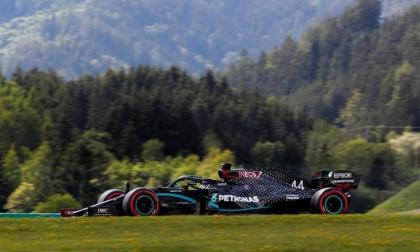 El británico Lewis Hamilton durante su recorrido en los 4.318 metros de la pista.