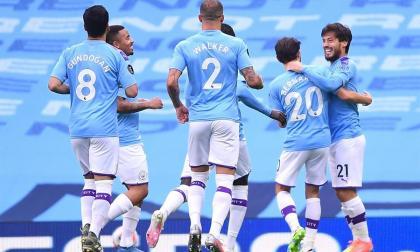 David Silva allana el camino de un City que ya calienta para el Real Madrid