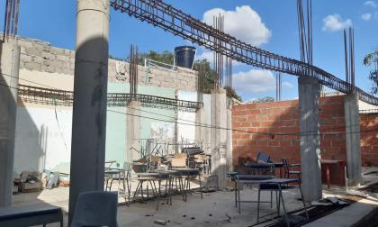 Colegio José Antonio Galán, donde hay una obra que no se ha terminado.