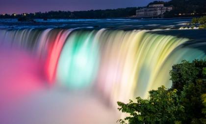Cataratas del Niágara se iluminarán con colores de la bandera de Colombia