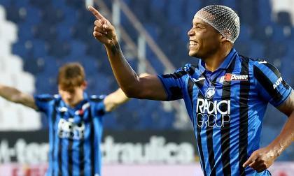 Luis Fernando Muriel celebra el tanto que anotó en el triunfo ante el Bolonia.