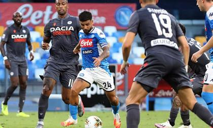 Acción del duelo entre el Nápoles y el Parma.