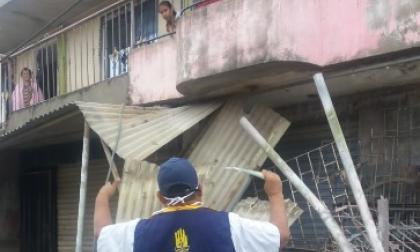 Lluvias y fuertes brisas causan emergencias en dos barrios de Cartagena