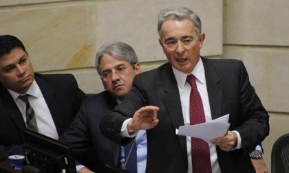 Álvaro Uribe Vélez, senador del Centro Democrático, durante un debate en el Congreso.