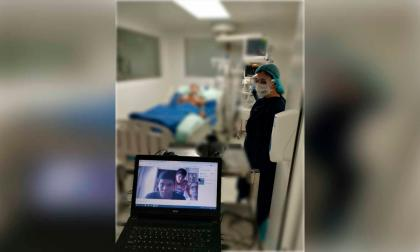 Una de las video-llamadas a pacientes internados en el Hospital La Divina Misericordia de Magangué.