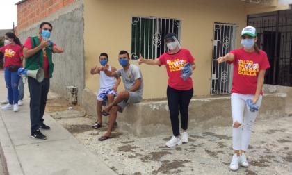 Ex reinas del Carnaval entregan 12 mil tapabocas en Siete de Agosto