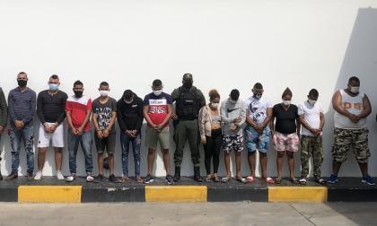 Capturan a 12 señalados de ser miembros de 'Los Costeños'