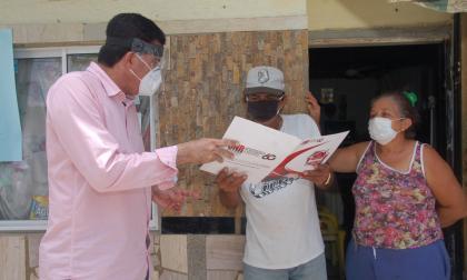 Rodolfo Ucrós comenzó entrega de 1.200 títulos de propiedad